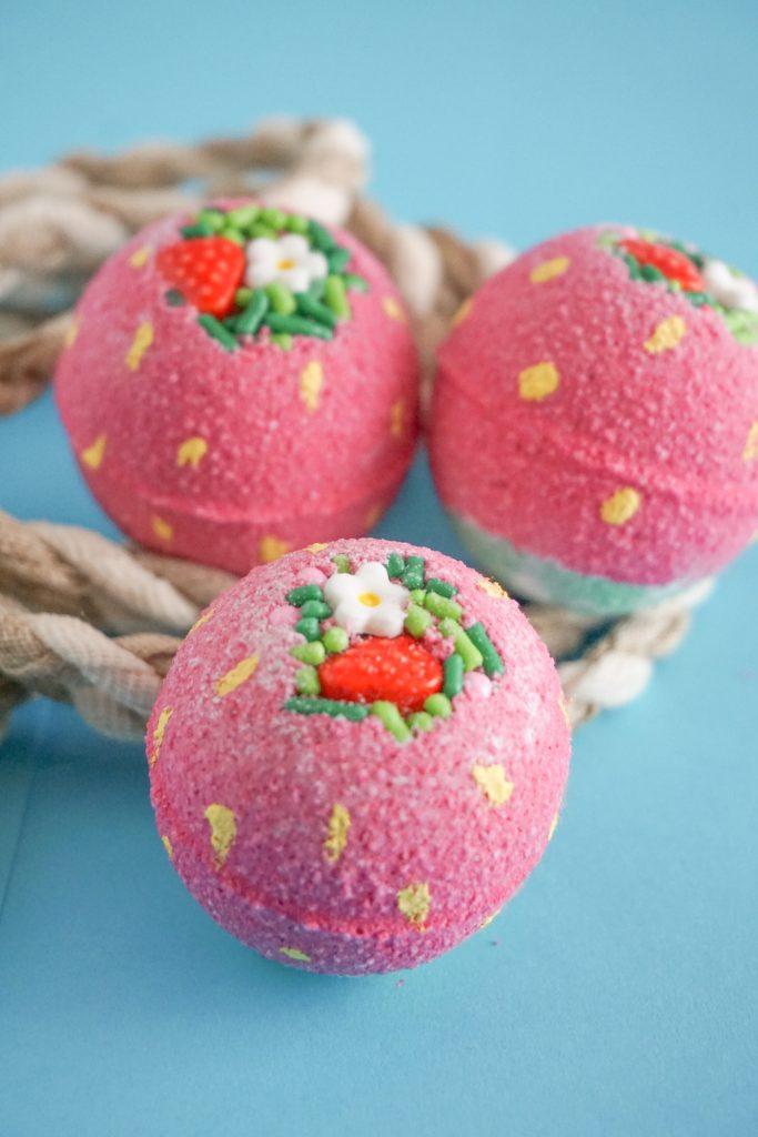 Strawberries and cream bath bombs