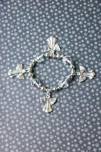how to make an angel charm bracelet